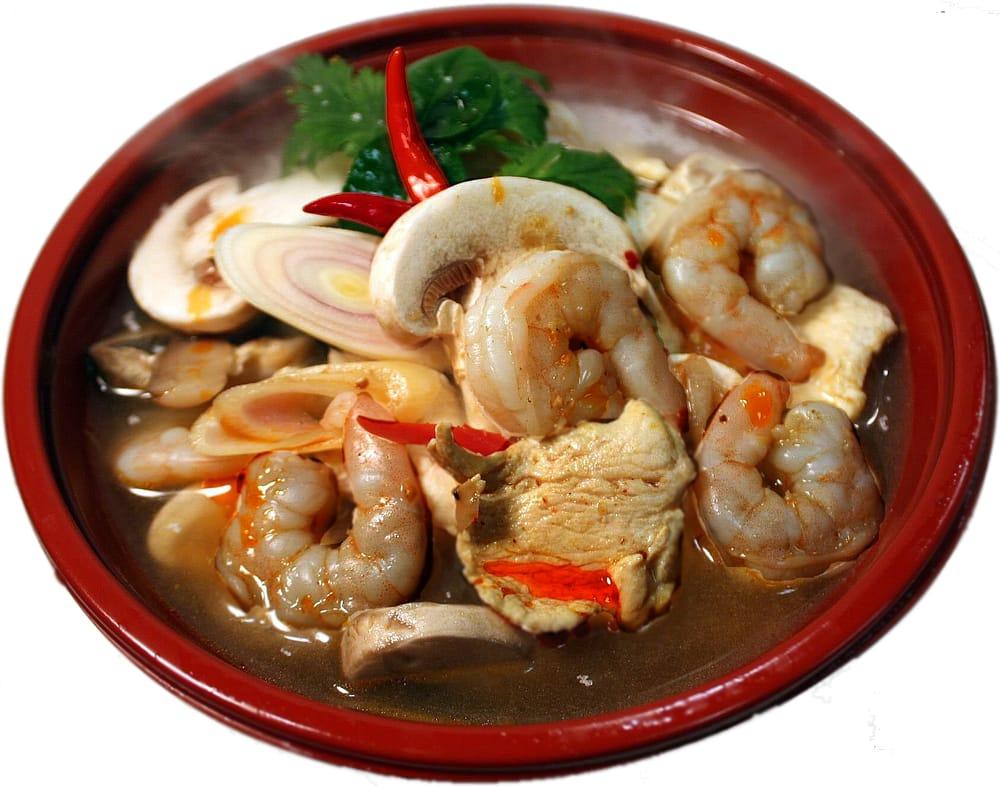 D's Thai: 1201 Susan Dr, Marshall, MN
