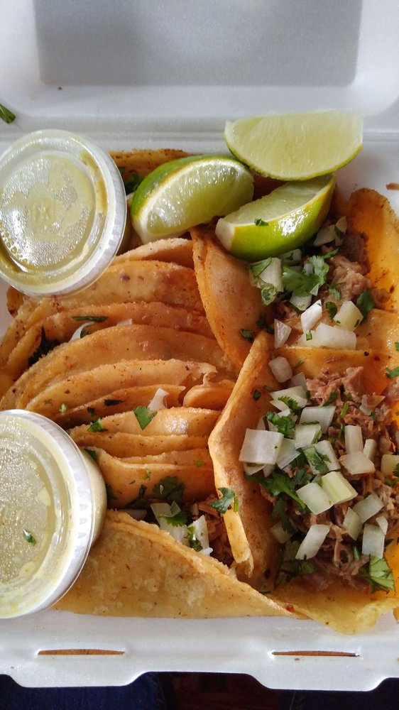 Taco Reyes: 5200 Hwy 276, Royse City, TX