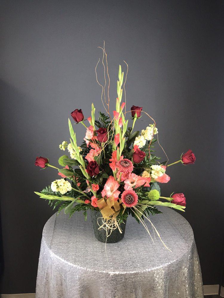 Devault Floral: 3703 19th St, Lubbock, TX