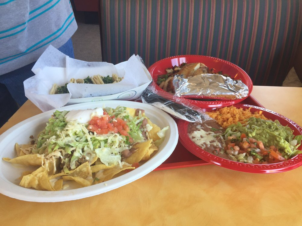 Taqueria La Michoacana: 3072 E Holland Rd, Saginaw, MI