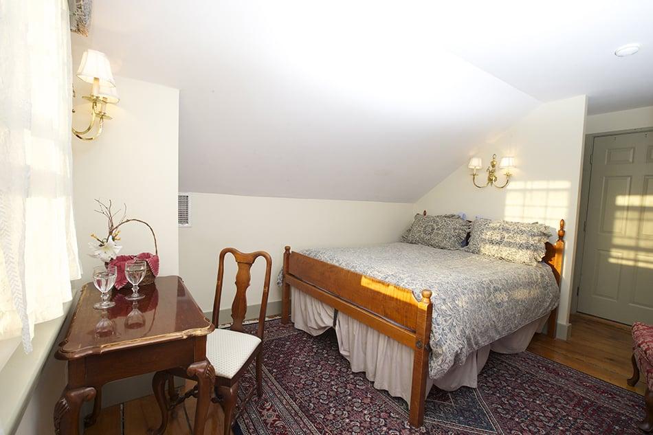 Pineapple Inn: 10 Hussey St, Nantucket, MA