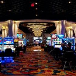 Hollywood Casino - 254 Photos & 349 Reviews - Casinos - 14145 ...