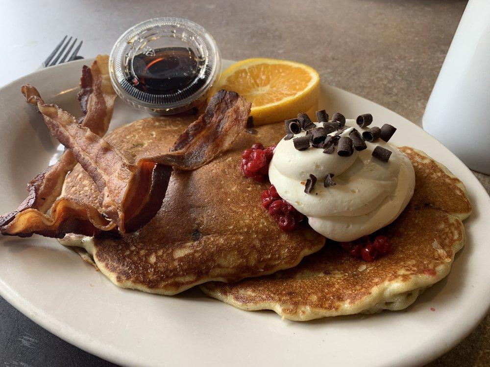 Taste of Scandinavia Bakery & Cafe: 845 Village Center Dr, North Oaks, MN