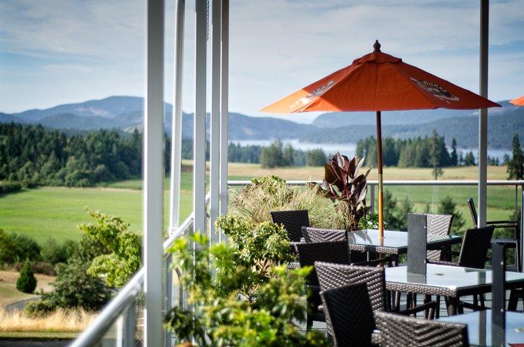 Satellite Bar & Grille: Arbutus Ridge Golf Club, Cobble Hill, BC