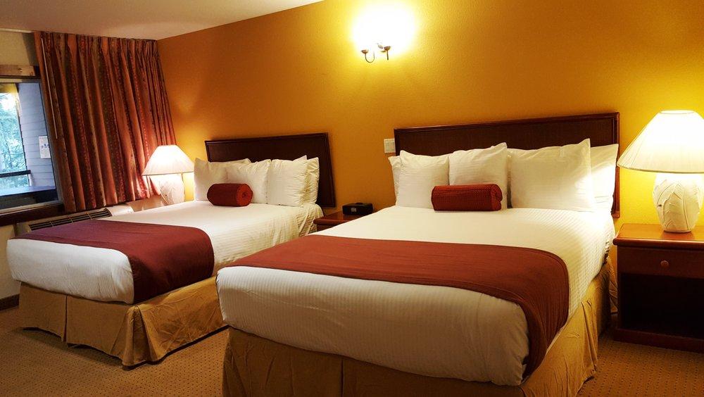 Carson Hotspring Golf and Spa Resort: 372 Saint Martins Springs Rd, Carson, WA