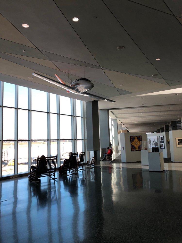 McGhee Tyson Airport: 2055 Alcoa Hwy, Alcoa, TN