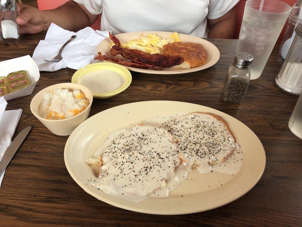 Mama Ruth's Kitchen: 804 Atlanta Hwy, Gainesville, GA
