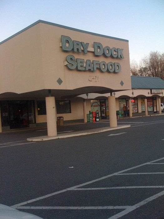 Dry Dock Seafood Restaurant: 408 N 2nd Ave, Siler City, NC