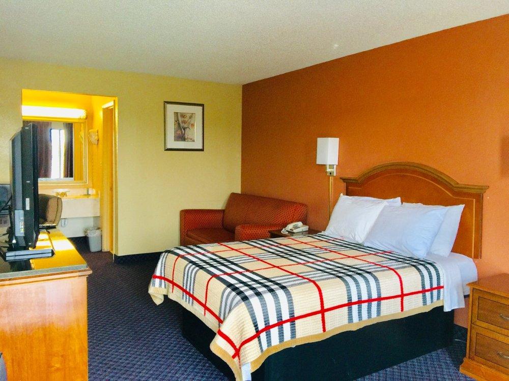 Americas Best Value Inn Blytheville: 102A South Porter Drive, Blytheville, AR