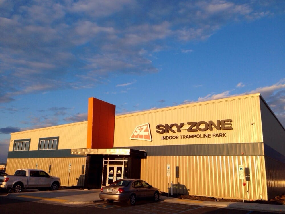 Sky Zone Trampoline Park: 940 40th St S, Fargo, ND