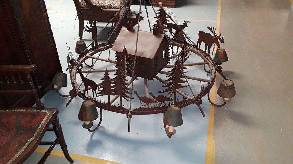 American British Antiques: 746 US Hwy 87 S, San Angelo, TX