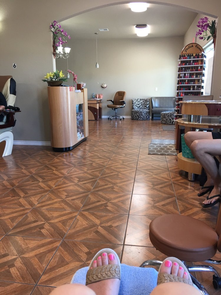 Luxury Nails and Spa: 319 Hwy 36 Byp S, Gatesville, TX