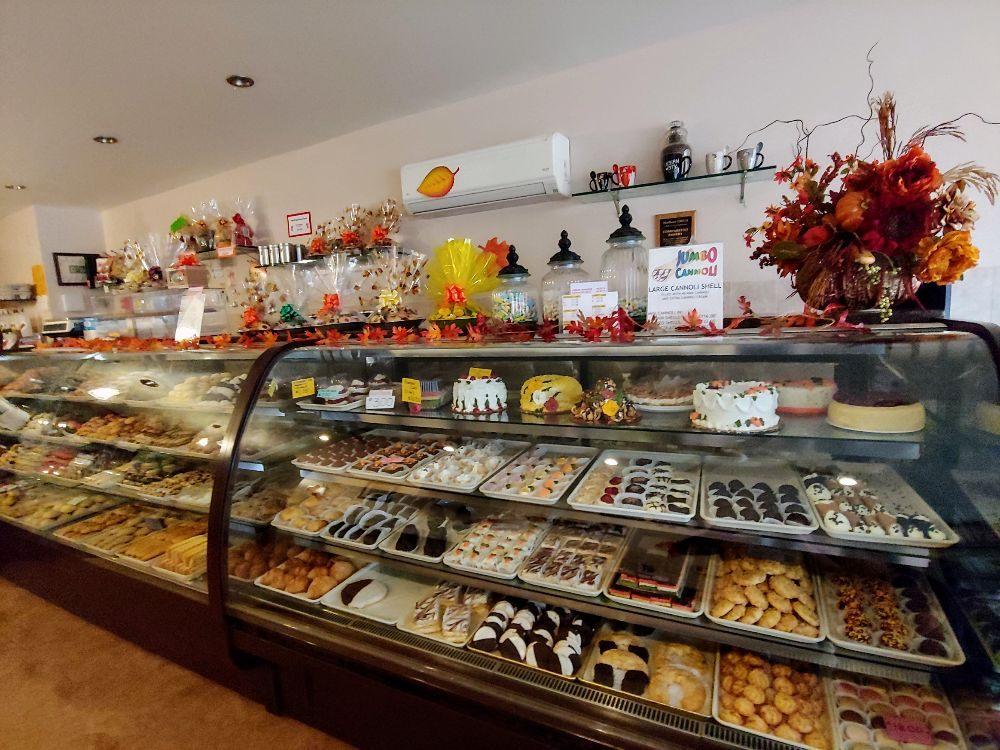Comparetto Bakery: 20 Western Ave, Marlboro, NY