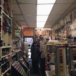 B E Yarn 18 Reviews Fabric Stores 784 Manhattan Ave
