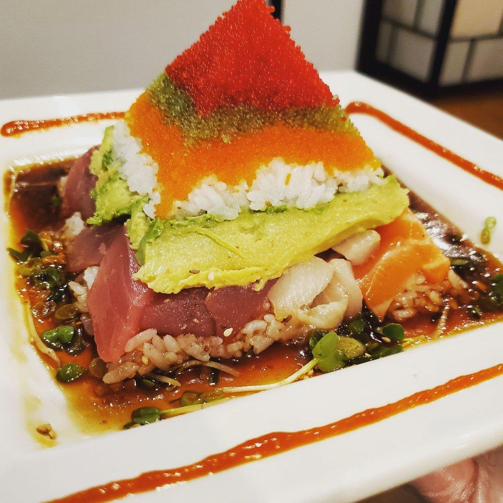 Budi's Sushi Two Go: 1432 Dunwoody Village Pkwy, Dunwoody, GA