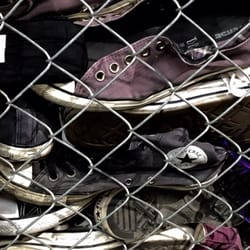 9860f96419de Converse - 11 photos   13 avis - Magasins de chaussures - 7400 Las ...