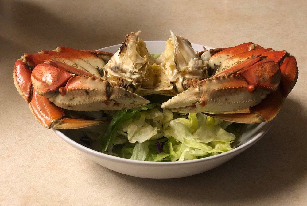 Crab-E-Tom's: 3640 Pryor Ct, Fortuna, CA