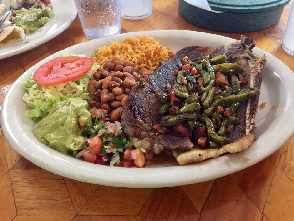Taqueria Jalisco: 535 S US Hwy 77, Bishop, TX