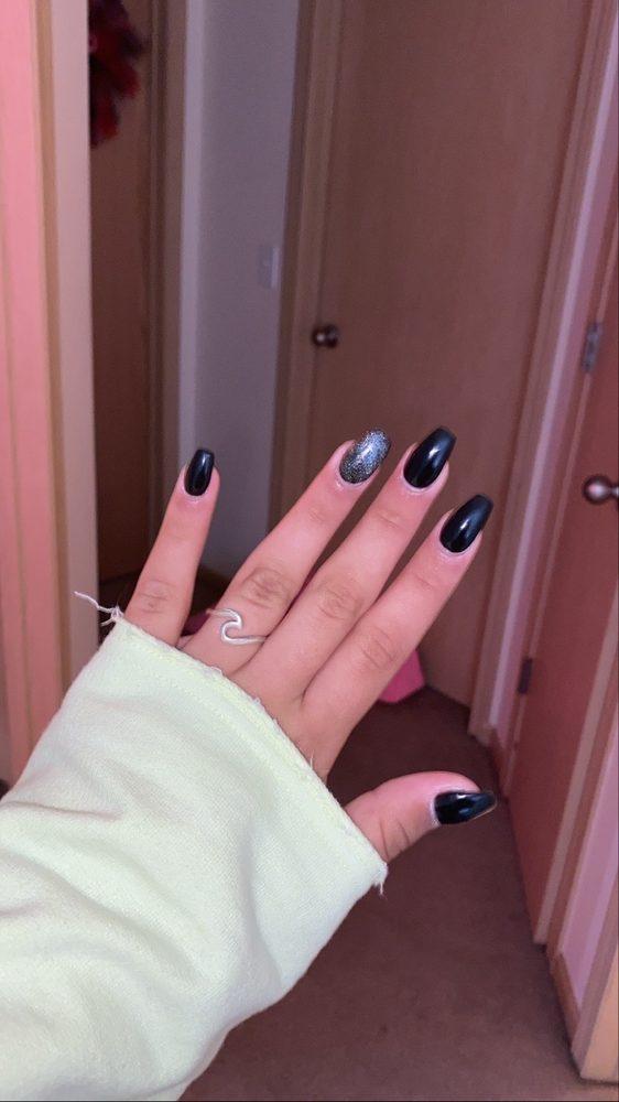 Glamour Nails: 18134 Wright St, Omaha, NE