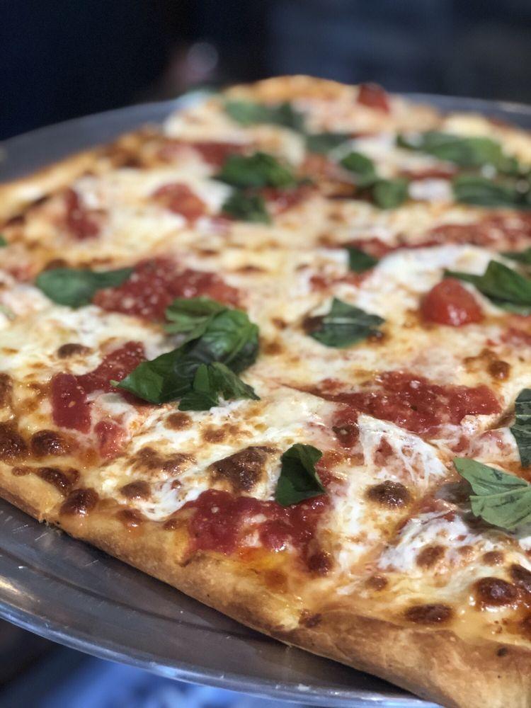 Friendlier Restaurant & Pizzeria: 1006 Railroad Ave, Woodmere, NY