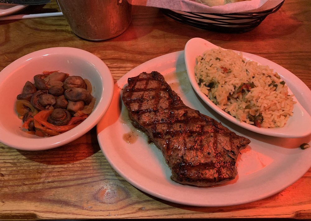 Colton's Steakhouse & Grill: 399 Campbellsville Byp, Campbellsville, KY