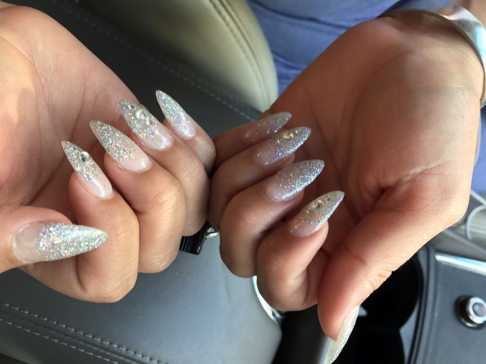 When you tell your nail guy your going to Vegas he does this - Yelp