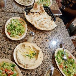 Al tannour mediterranean cusine 244 photos 180 avis for Al tannour mediterranean cuisine menu