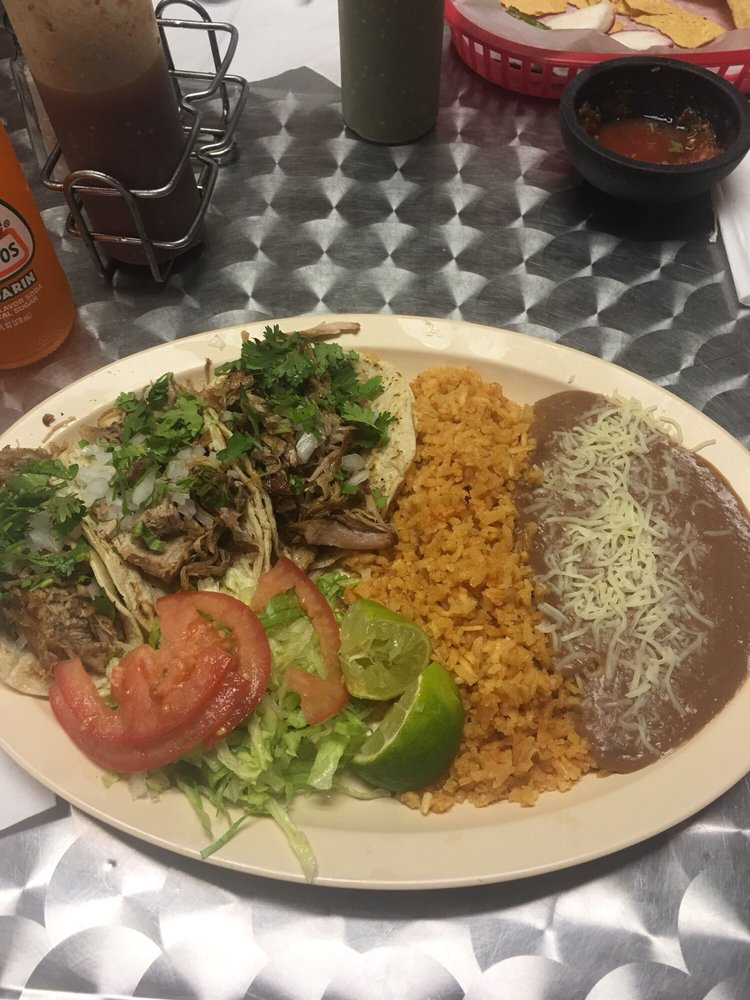El Carnitas Mexican Grill: 217 E Owen K Garriott Rd, Enid, OK