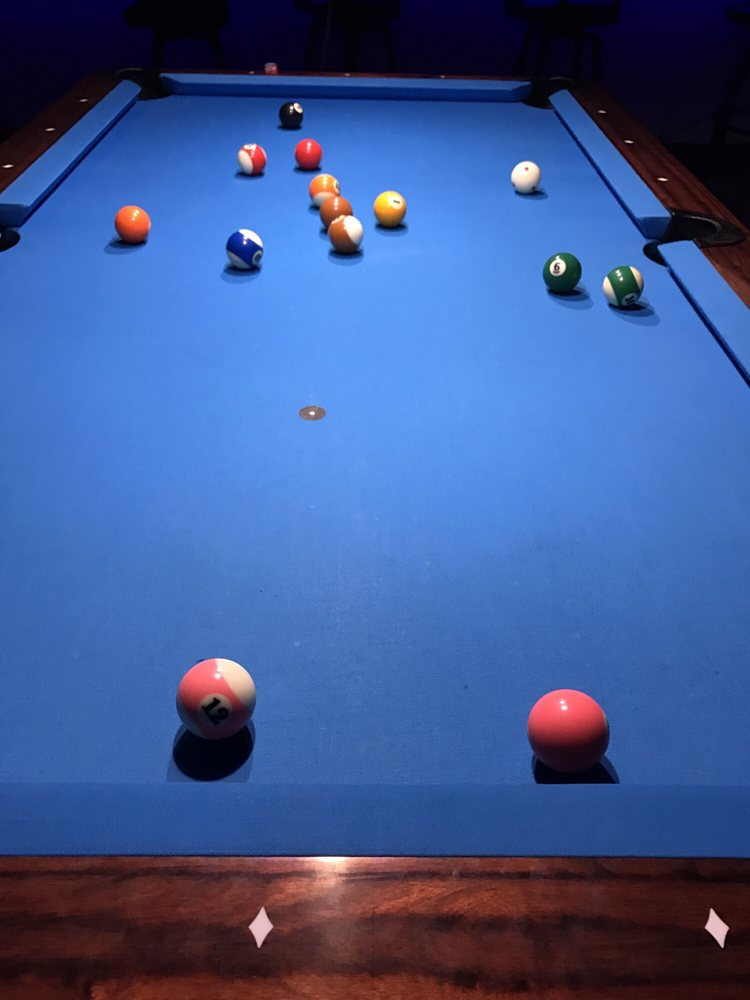 Shooters Sports Lounge: 2149 N Center St, Hickory, NC