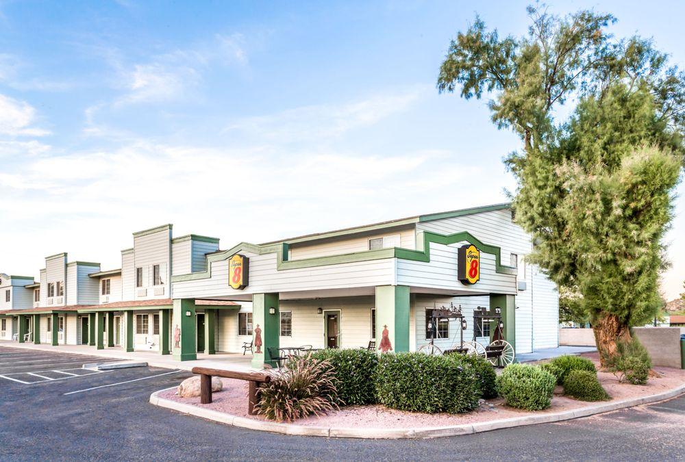 Super 8 by Wyndham Wickenburg AZ: 1021 North Tegner, Wickenburg, AZ