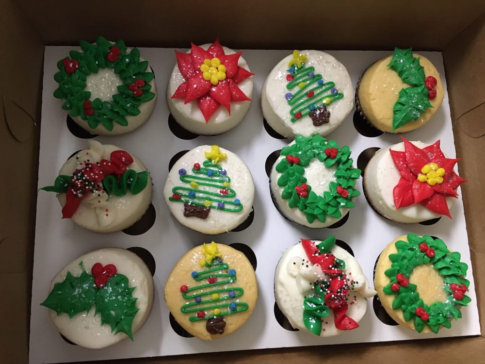 Gender Reveal Christmas Cupcakes Aren T They Amazing Yelp