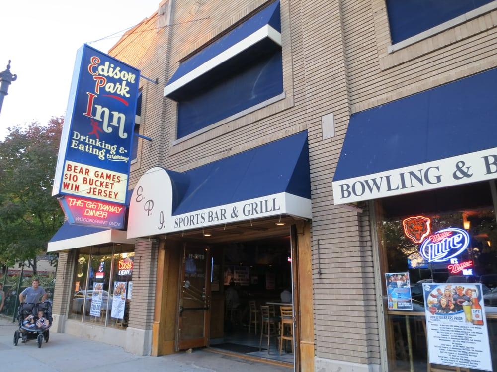 Edison park inn 58 reviews pubs 6715 n olmsted ave for Inns in chicago