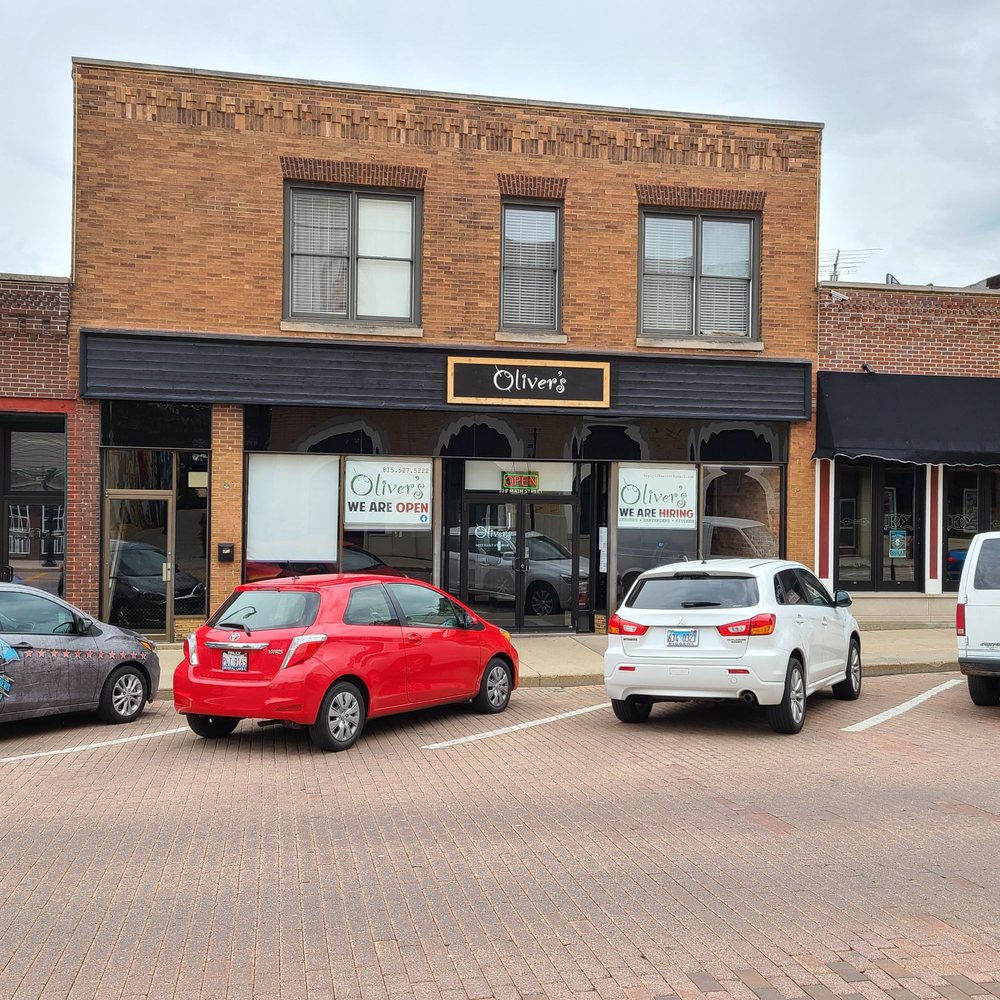 Oliver's Bar and Grill: 228 Main St, Woodstock, IL