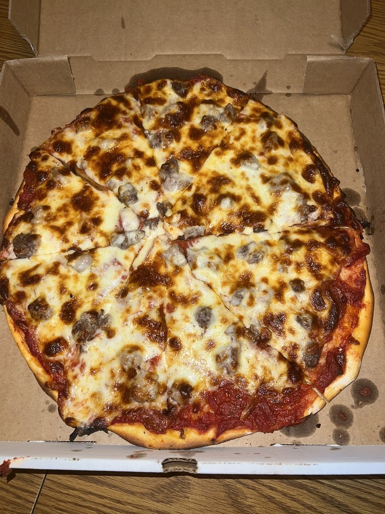 Little Augie's Pizza: 620 N 2nd St, Breese, IL