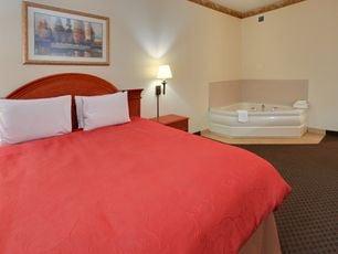 Country Inn & Suites By Radisson: 2413 W Hillsboro St, El Dorado, AR