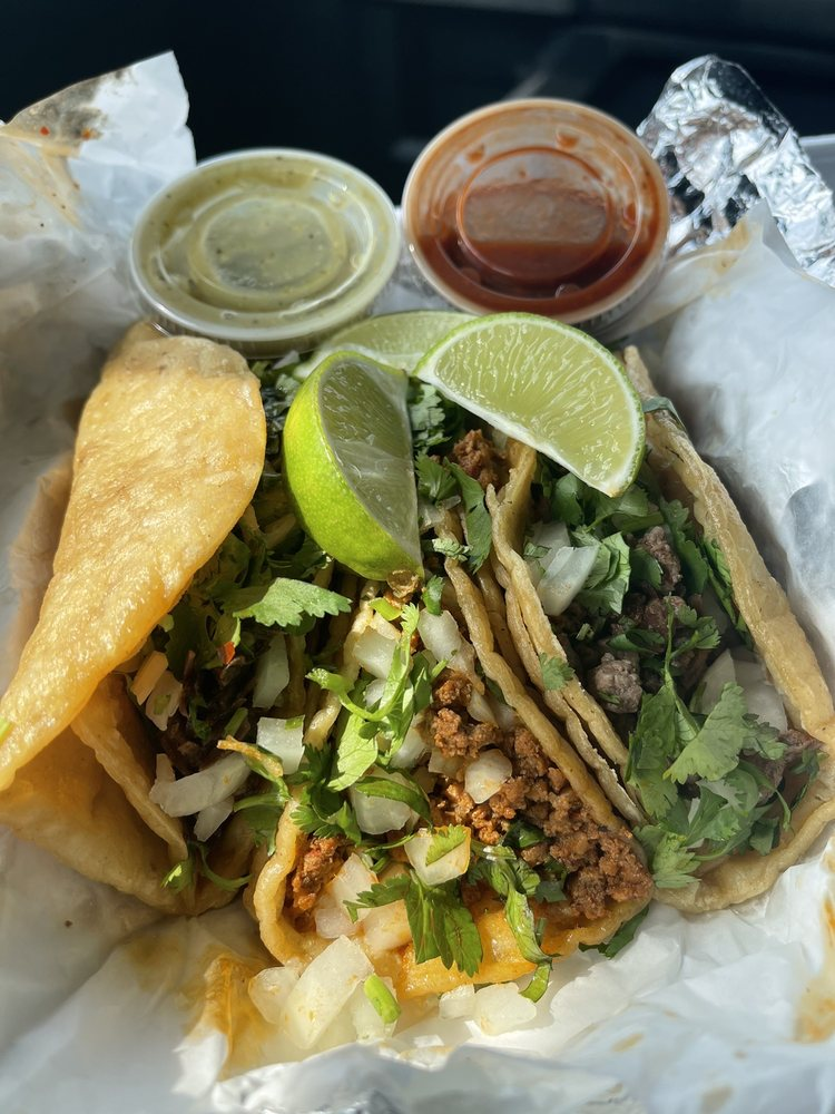 Lucha Libre Taco Shop: 4635 Douglas Rd, Toledo, OH