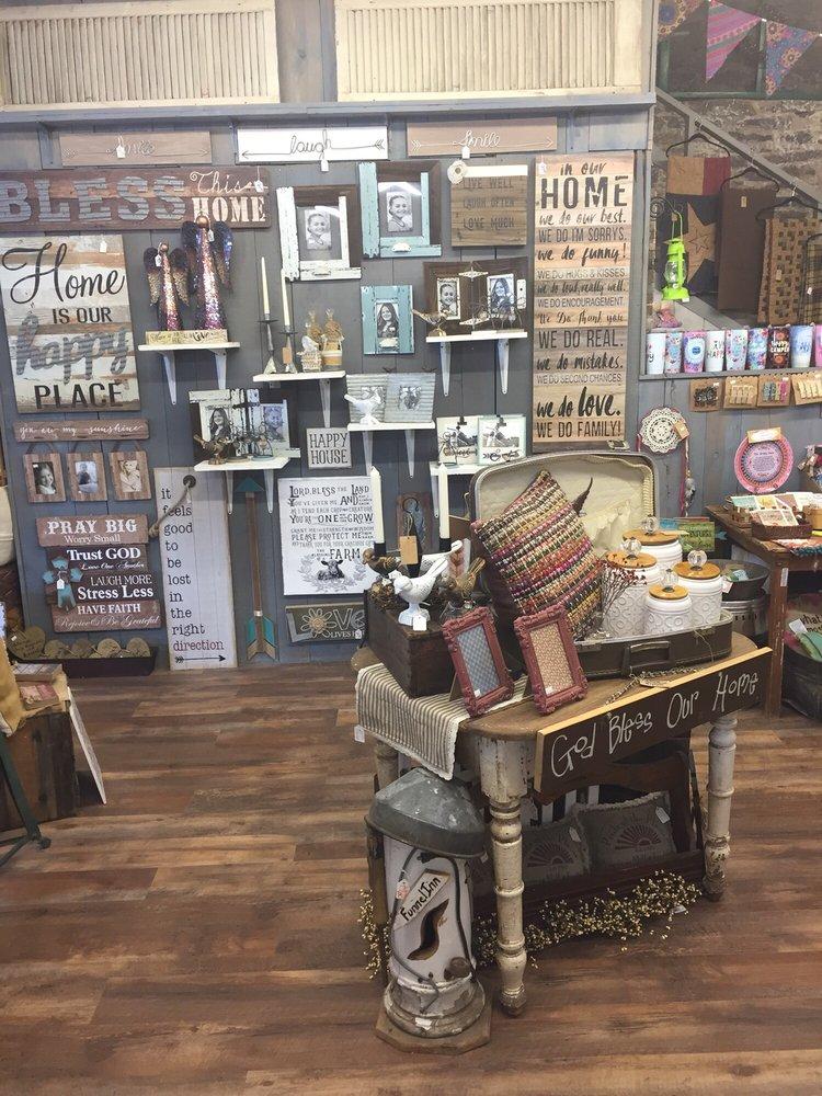 Mountain Magic Market: 504 Burro Ave, Cloudcroft, NM