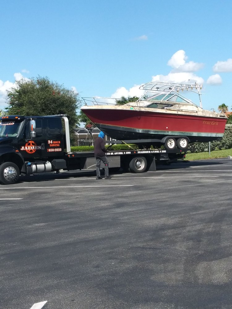 Towing business in North Fort Myers, FL