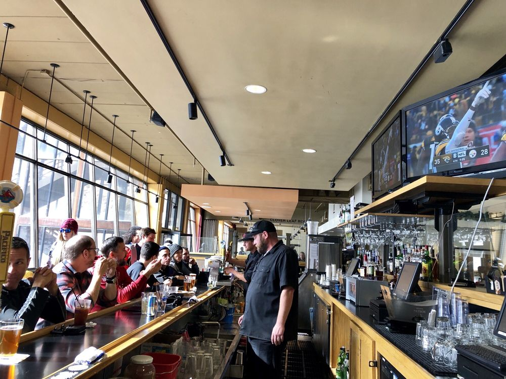 Grizzly Bar: 1000 Canyon Blvd, Mammoth Lakes, CA