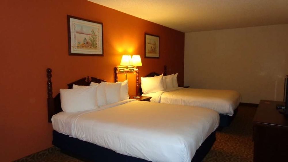 SureStay Hotel by Best Western Childress: 1804 Avenue F NW, Childress, TX