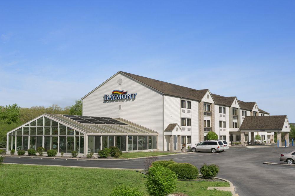 Baymont by Wyndham Sullivan: 275 N. Service Road, Sullivan, MO