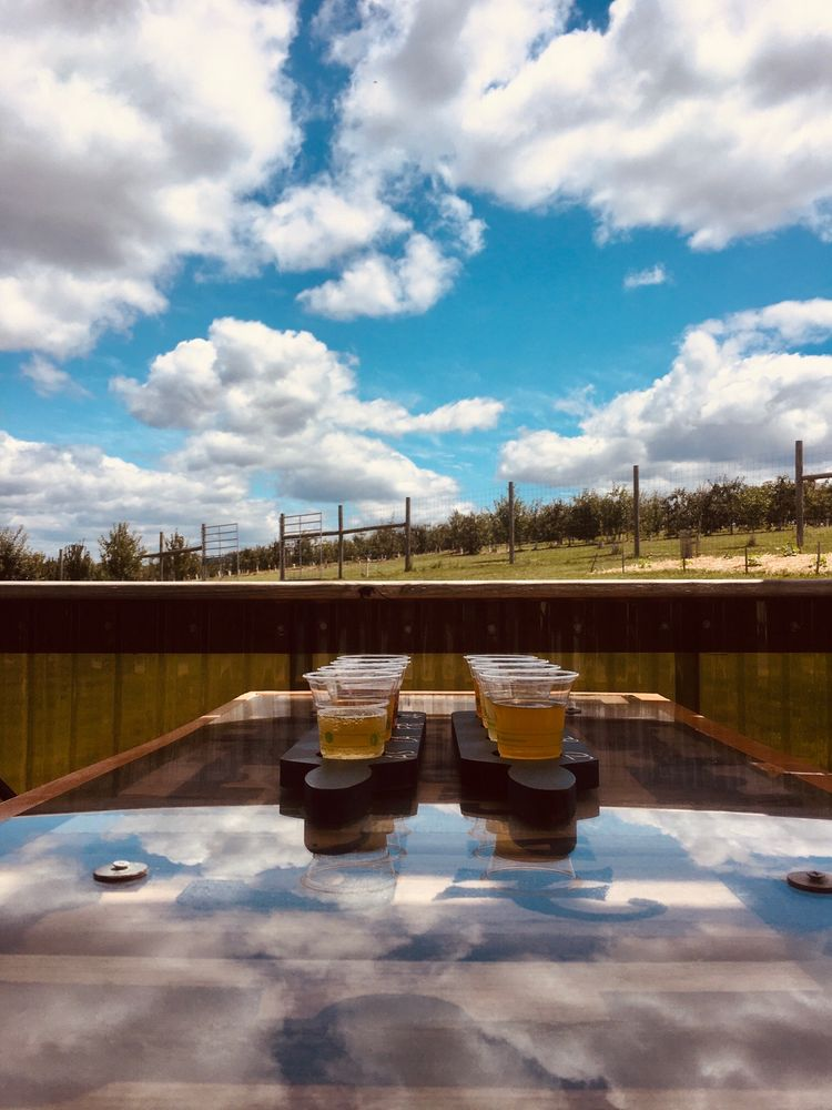 Halcyon Days Cider: 4135 S Lee Hwy, Natural Bridge, VA