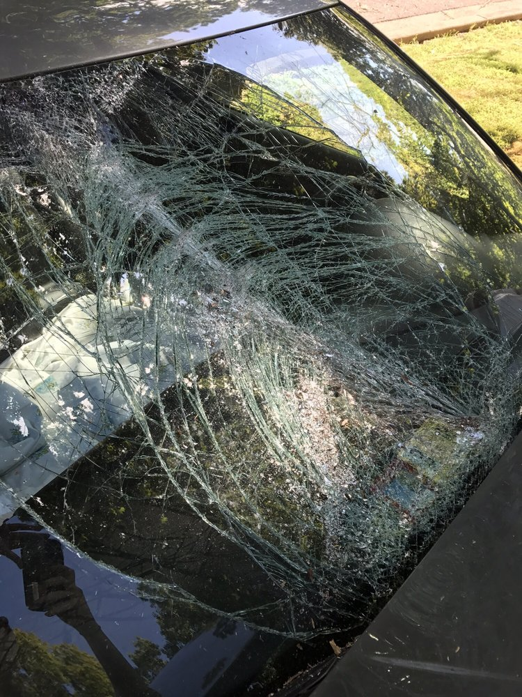 Preferred Auto Glass: 7258 Maple Pl, Annandale, VA