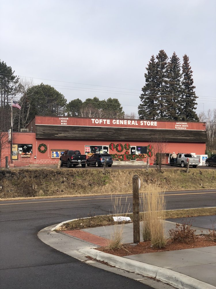 Tofte General Store and Bottle Shop: 7125 W Hwy 61, Tofte, MN