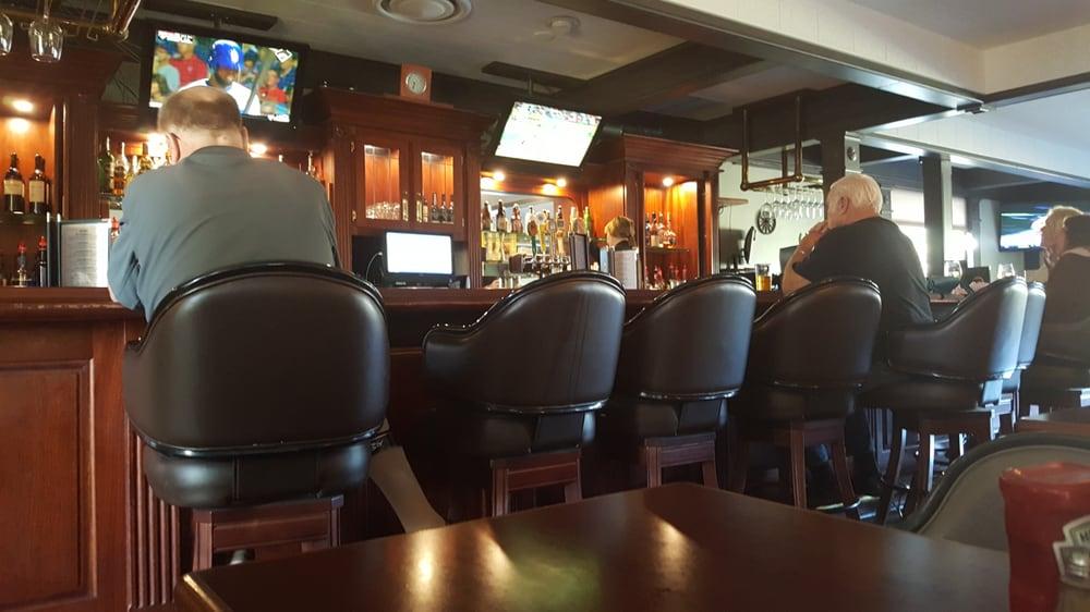 Bear Valley Oak Branch Saloon: 29500 N Lower Valley Rd, Tehachapi, CA
