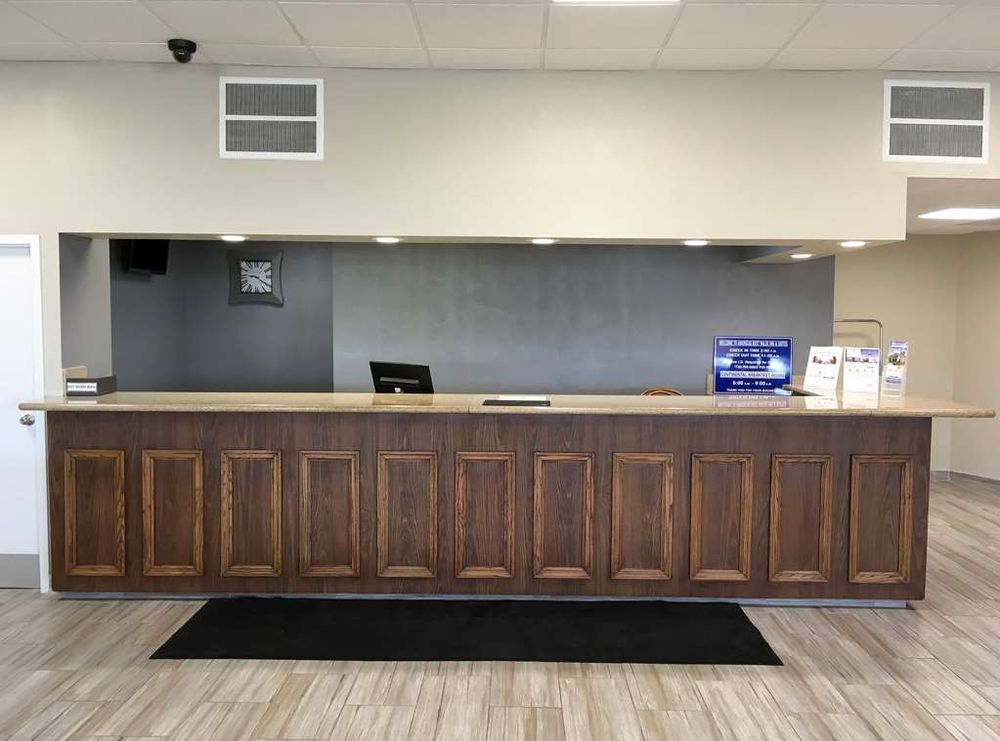 Americas Best Value Inn & Suites Greenville: 2700 Hwy 82 E, Greenville, MS