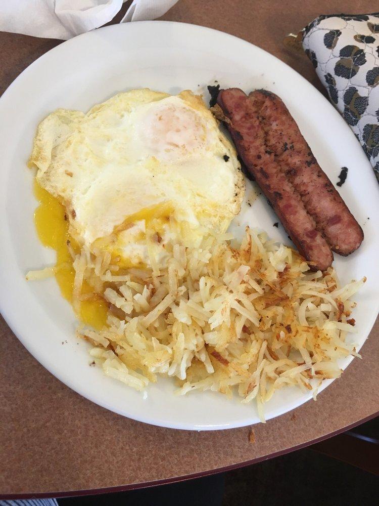 Judy's Cookhouse: 2280 E Hwy 60, Globe, AZ