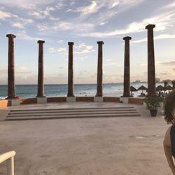 Photo Of Krystal Cancún Quintana Roo Mexico Greek Roman Columns