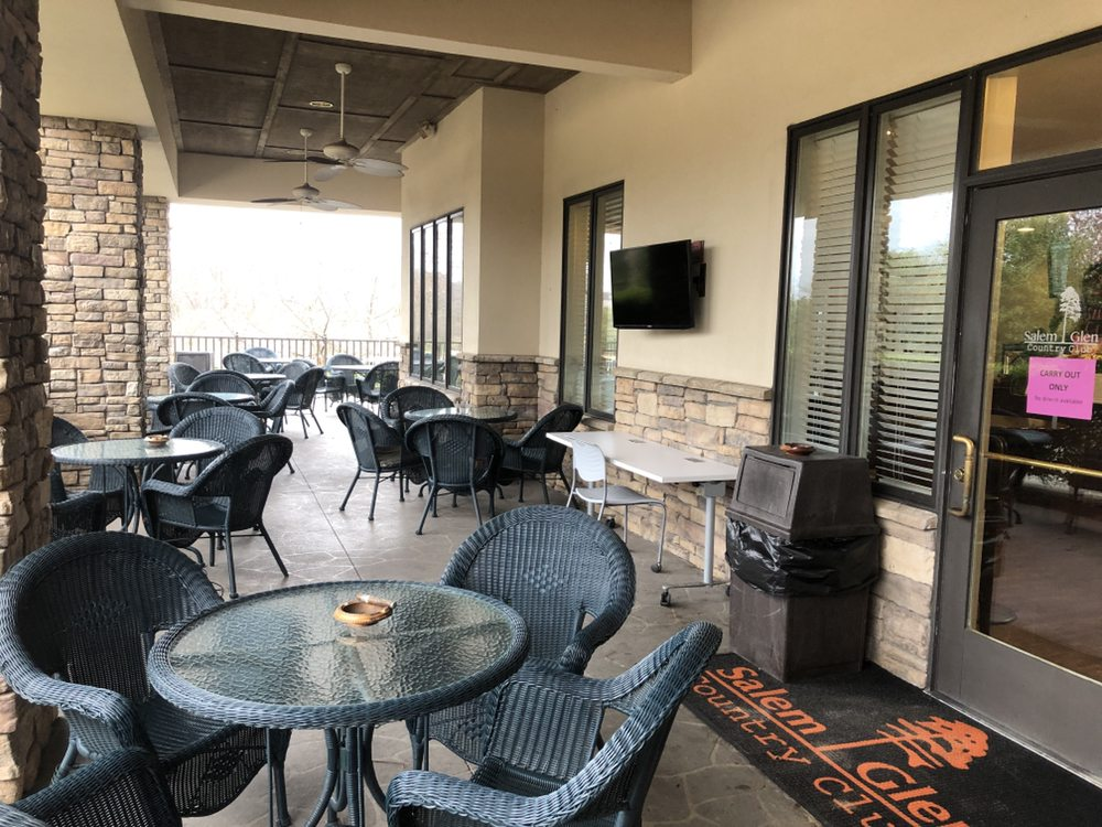 The Grille at the Glen: 1000 Glen Day Dr, Clemmons, NC