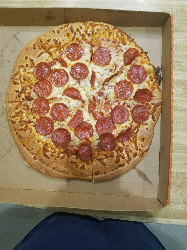 Little Caesars Pizza: 1702 US Hwy 181, Portland, TX